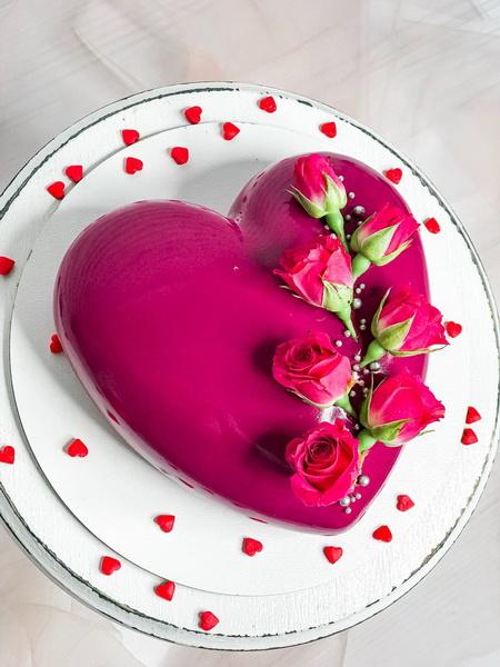 Торт Сердце с цветами - фото