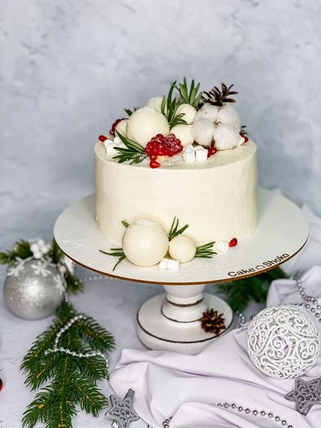 Торт Білий з гранатом - фото